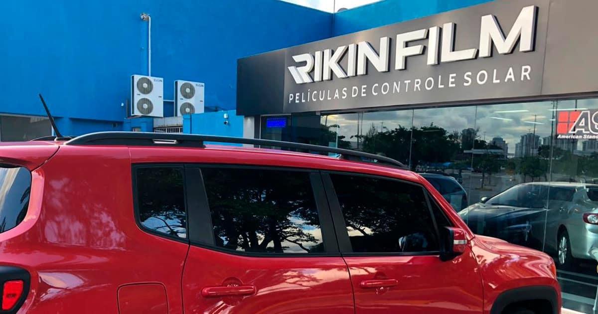 Insulfilm Automotivo RJ implementado em um Jeep Renegade