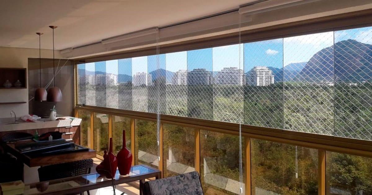 Insulfilm Titanium 50 – Apartamento de Alto Luxo no RJ