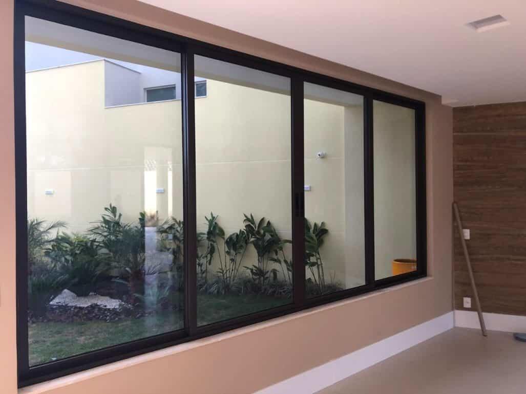 Película de proteção solar: porque instalar na sua residência?
